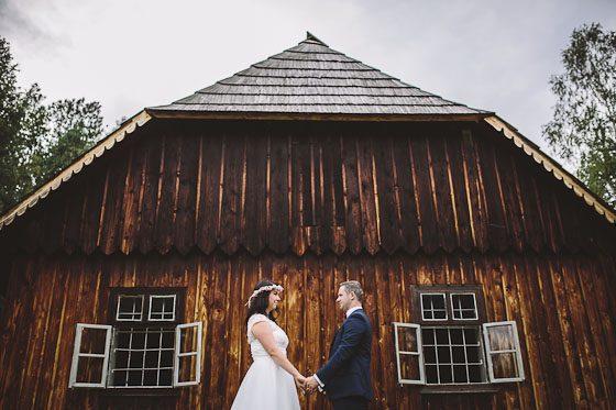 Sandra + Krzysztof – zdjęcia ślubne w skansenie