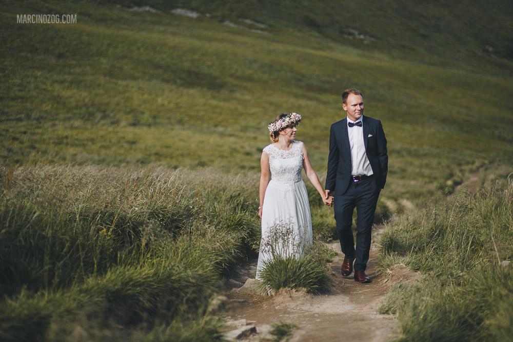 Spacerem po Bieszczadach - sesja ślubna