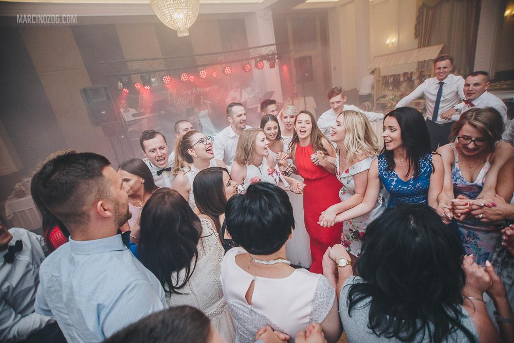 fotografia ślubna Rzeszów podczas wesela w Hotelu Łańcut
